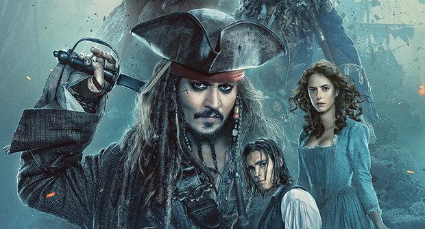 Piráti z Karibiku, Salazarova pomsta a zombie žraloci!