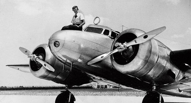 Amélie Earhartová: Na stopě letecké záhadě