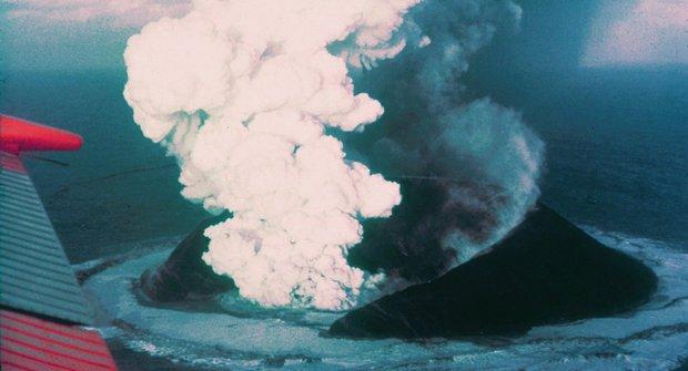 Surtsey nebo Hunga Tonga? 5 nejlepších nových ostrovů