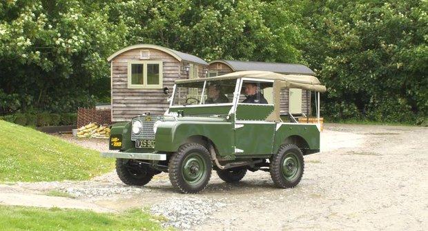 První Land Rover v plné parádě