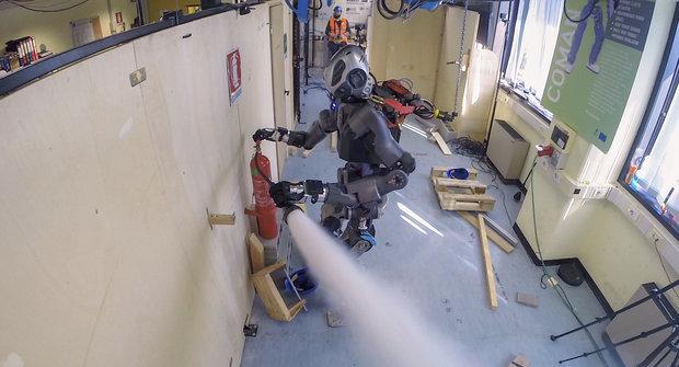 WALK-MAN: Robotický záchranář