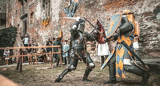 Vývoj hradu 9: Jak se žilo na hradě