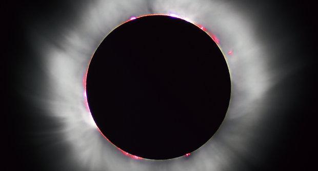Průvodce Sluneční soustavou: Ohnivá koule Slunce