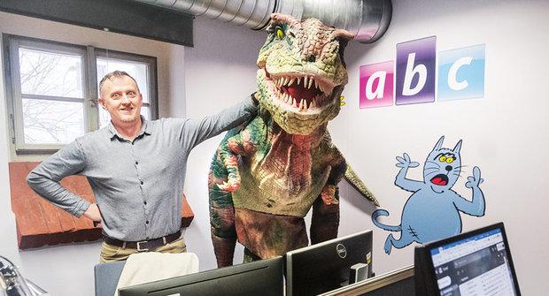Živý dinosaurus: Zubatá návštěva v redakci ABC