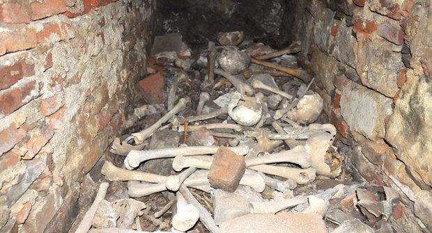 Mrtví střeží tajemství: Tajná místnost kláštera v Želivě odhalena
