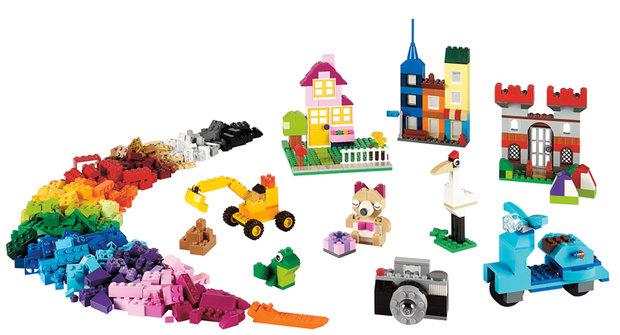 LEGO je stavebnice bez hranic: Vyzkoušeli jsme Velký kreativní box