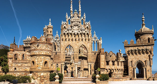 Hrad z lodí Kryštofa Kolumba stojí na jihu Španělska, ale hrobka je prázdná
