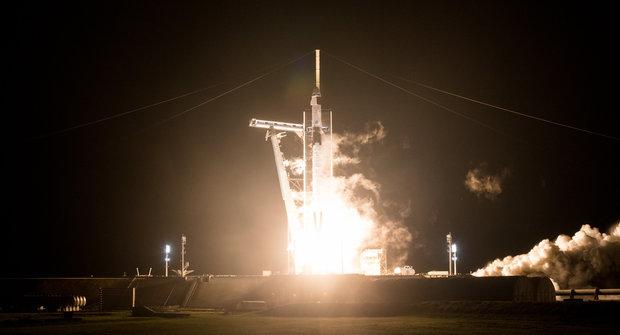 Odstartováno: Další přelomový let Crew Dragon otevírá nové možnosti ve vesmíru