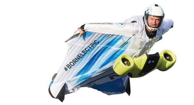 Létající oblek pro Iron Mana: Wingsuit od BMW