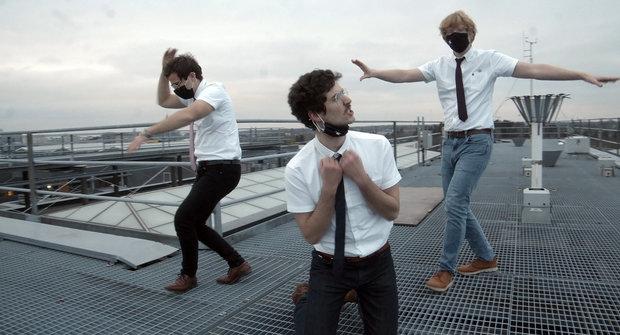 Český student vyhrál soutěž pro tančící vědce. Ve videu rapuje o mracích