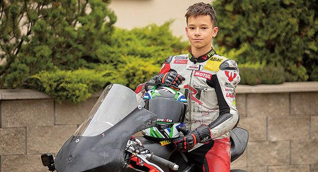 Zlatý oříšek ABC: Filip Novotný závodí na silničních motocyklech
