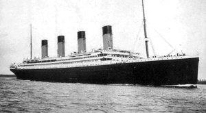 Přesně před 100 lety a jedním dnem se potopil nepotopitelný Titanic. Sabotáž?