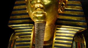 Před 138 lety se narodil archeolog, který vyhrabal Tutanchamonovu hrobku