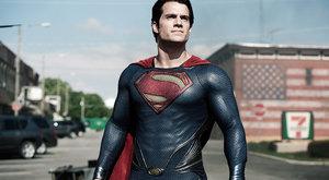 Recenze: Největší z hrdinů vrací úder nadlidskou silou