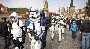 Dnes je Den Star Wars: Ať vás provází Síla!