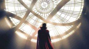 Doktor Strange přichází v prvním traileru (česky)