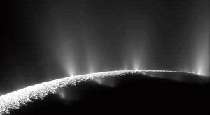 Druhá Země? Na Enceladu může být život