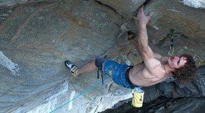 Horolezec Adam Ondra přeborcoval novou cestu Silence 9c