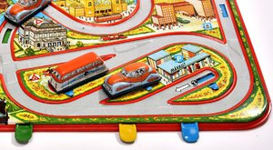 Strojky času: Maďarské plechové hračky