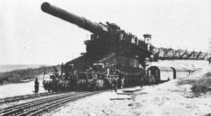 Nejšílenější zbraně historie: Tank s devíti metrovými koly a další obludnosti