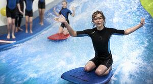 Surf Arena: Jediný indoor surf simulátor u nás