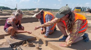 Záchranná archeologie: Poklady na silnici D35