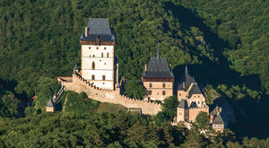 Vývoj hradu 8: Hrady doby Karla IV.