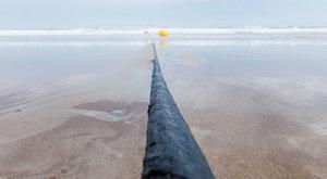 Podmořské kabely: Jak data přeplavala Atlantik
