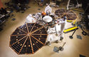 Sonda InSight během testů
