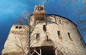 Střecha paláce hradu Točník byla opravena s pomocí dobové technologie