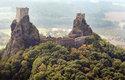 Stavitelé hradu Trosky využili přírodní skalní kužely, aby si usnadnili stavbu obou věž