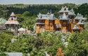V Mirakulu najdete lanová centra, trampolíny, minizoo, obří bludiště (1200 m chodeb) nebo hrad
