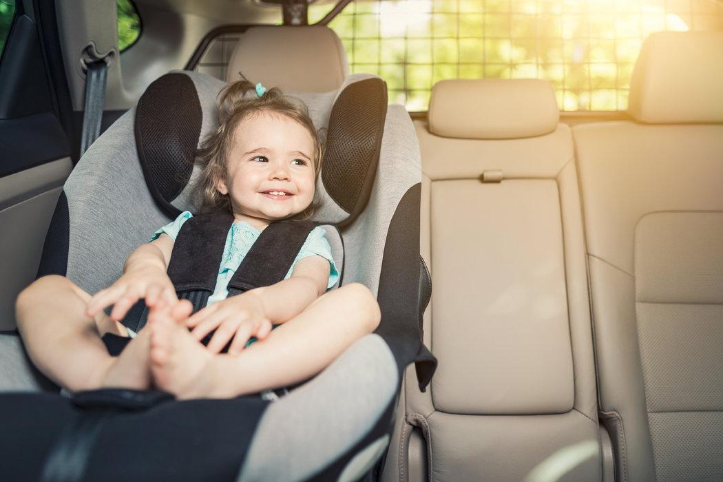 Pri cestovaní autom stavte na polohovateľnú detskú sedačku.