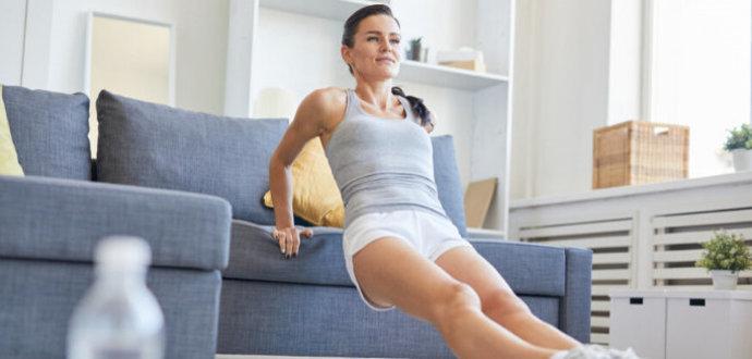 Fit aj bez fitka: 5 cvičebných pomôcok, ktoré máte doma