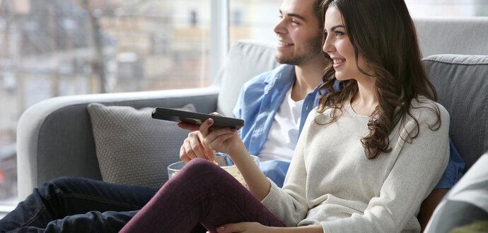 Chráňte si oči a chrbát: ako v obývačke správne umiestniť televízor?