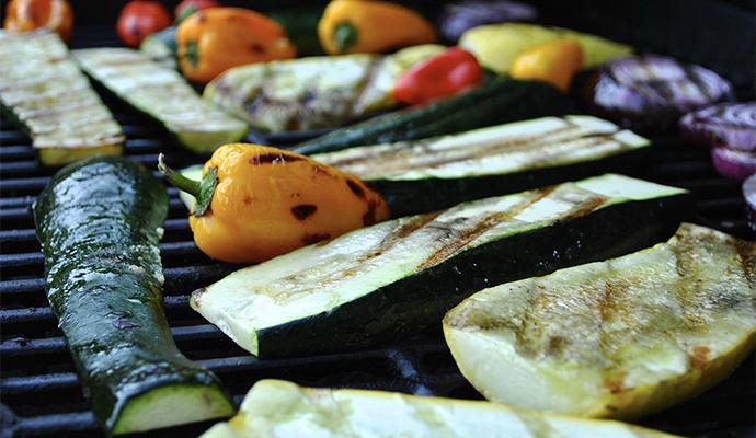 Na gril se hodí většina druhů zeleniny - vyzkoušejte, které vám zachutnají nejvíce!