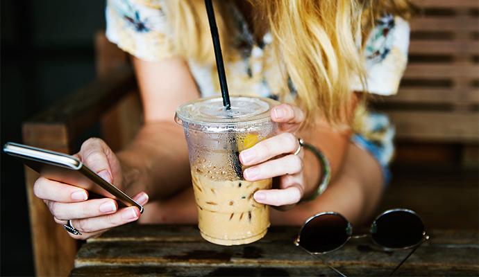 Užívejte si esemeskování bez ohledu na to, kde zrovna trávíte svoji dovolenou.