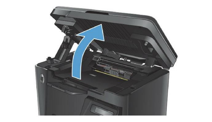 Před samotnou výměnou doporučujeme prostudovat si návod k tiskárně, kde většinou najdete podrobný obrazový popis postupu.