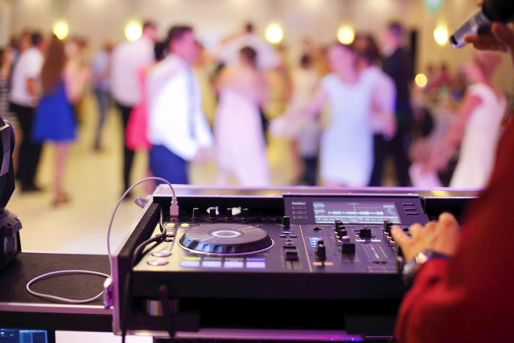 Hudba je při obřadu i oslavě klíčový prvek. Nepodceňte její přípravu.