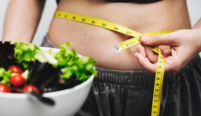 Díky bezplatným kalkulačkám získáte představu, kolik proteinů, sacharidů a tuků by měl váš denní příjem obsahovat.