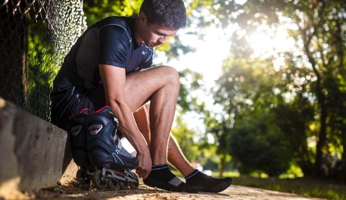 Z bruslí vklouzněte do pohodlných a na rozdíl od bruslí v MHD tolerovaných skladných bot.