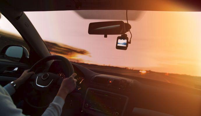 Kamery do auta jsou vybavené nočním režimem, takže vás ochrání i v naprosté tmě.