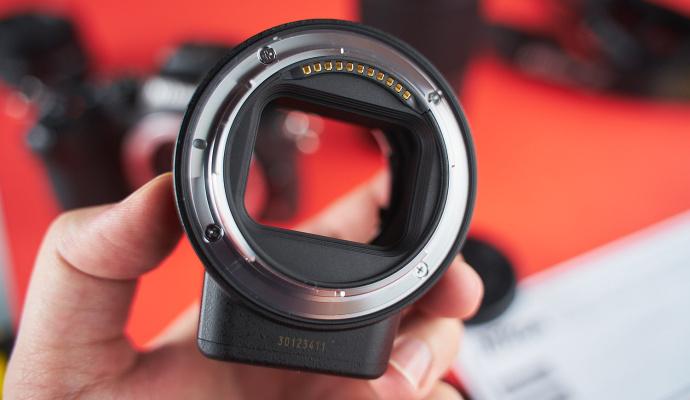 Díky adaptéru FTZ připojíte k bezzrcadlovce Z50 i starší objektivy Nikon.