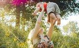 Zvládněte vedra s miminkem: 6 tipů, aby se mimi nepřehřívalo