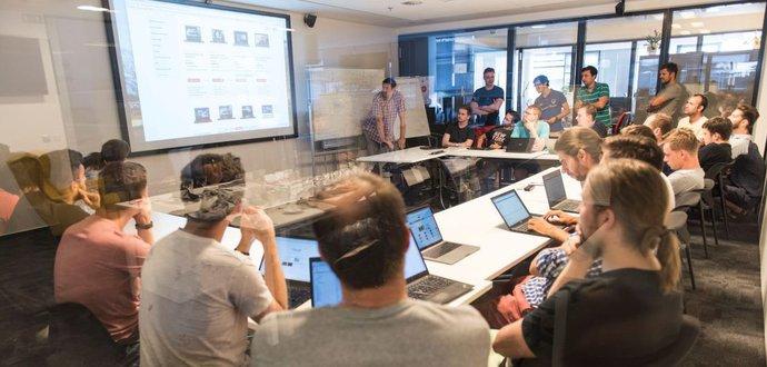 Co zvládnou vývojáři za jeden den? To odhalil Mall Group Hack Day