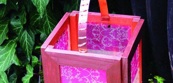 Domácí lucernička z rámečků na fotografie
